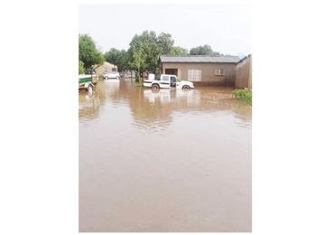 Floods hit Vic Falls