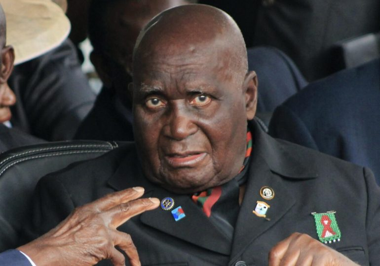Zambia's Kenneth Kaunda buried at official site despite son's challenge