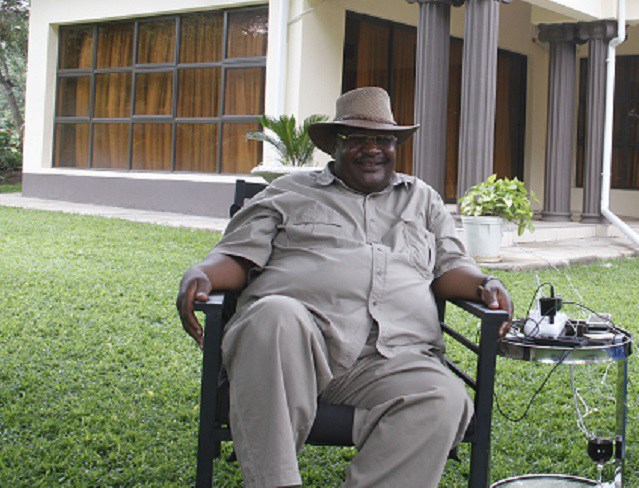 Minister jumps to Obert Mpofu's defense on controversial corruption allegations