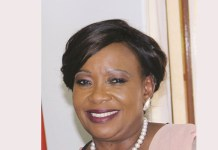 FIRST LADY DONATES 3000 CHICKS