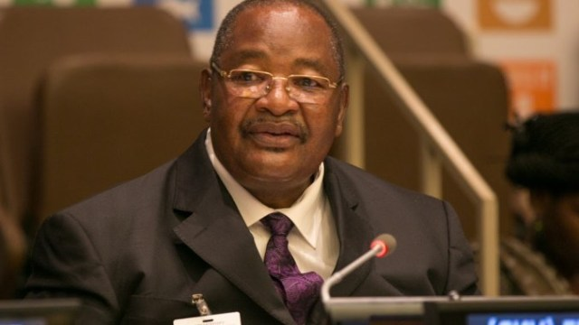 DRAMA AS EMBATTLED MPOFU TURNS THE TABLES IN PARLY