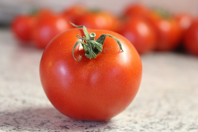 MAN KILLED FOR STEALING TOMATOES