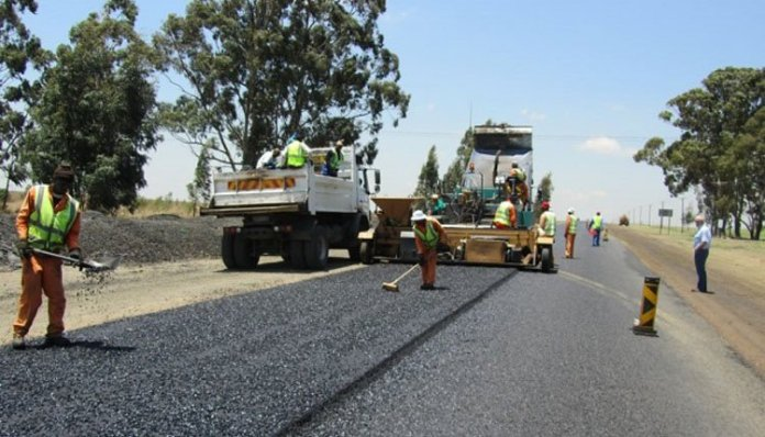 MDC T CHANCELLORS HAVE FAILED : ED ORDERS CITIES ROAD REPAIRS