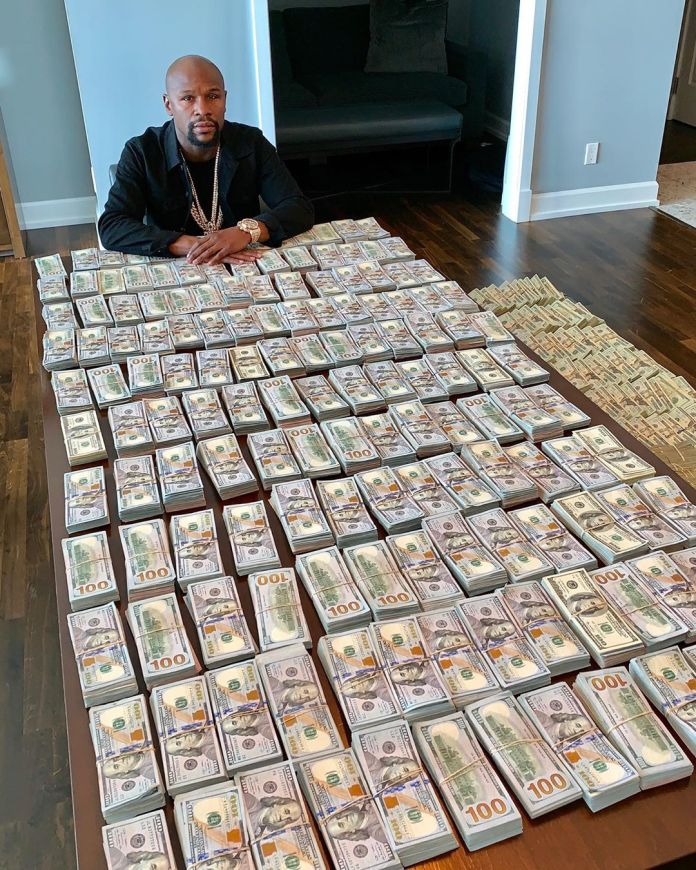 Floyd Mayweather Running Out Of Money?!