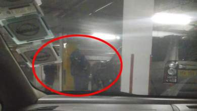 Photo of Exposed: Men fiddling with Chamisa lawyer Thabani Mpofu's car caught on camera?