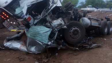 Photo of 6 die as haulage truck collides with kombi