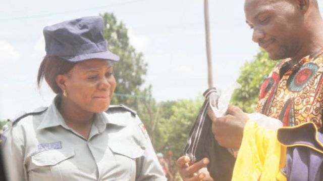 Top cop 'drills' married subordinate . . . Hands over 'underwear gift' as token to lover's hubby