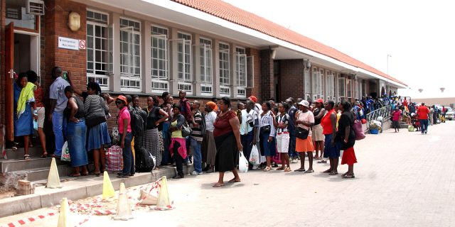 200 returning Zimbabweans banned 5 years for overstaying in South Africa
