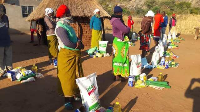 Katsande Donates R50 000 Food To Needy Families In His Rural Home Village