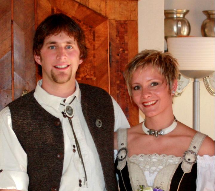 Hochzeitspaar Jenny & Adrian