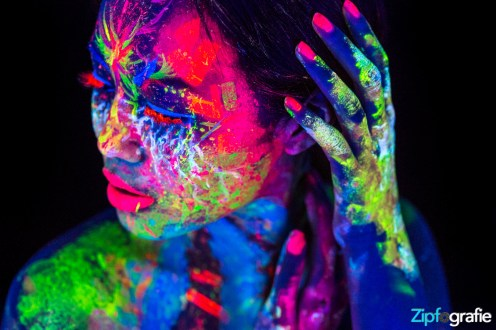 Ai Nhi Neon UV Shooting 4