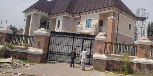 A 5 BEDROOM DUPLEX IN MAITAMA
