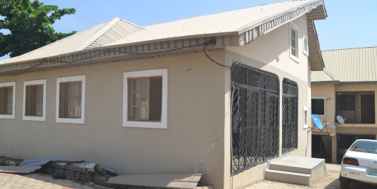 A 3 BEDROOM BUNGALOW HOUSE FOR RENT