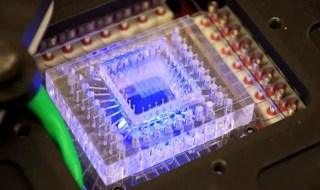A micro-fluidic device developed at MIT designed to automatically run DNA experiments on other planets. Credit: Christopher Carr | MIT