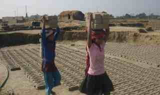Nepali girls working in brick factory. Credit: Wikimedia Commons