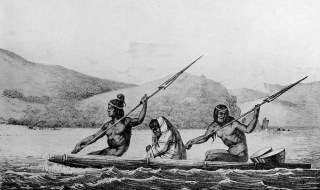 TULE RAFTS ON SAN FRANCISCO BAY. Credit: California Missions Resource Center.