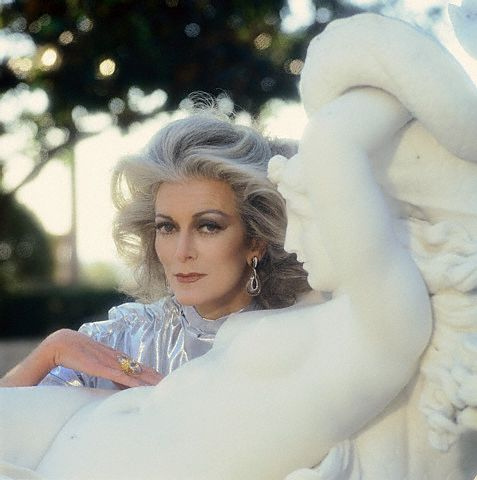 Carmen Dell'Orefice and Statue