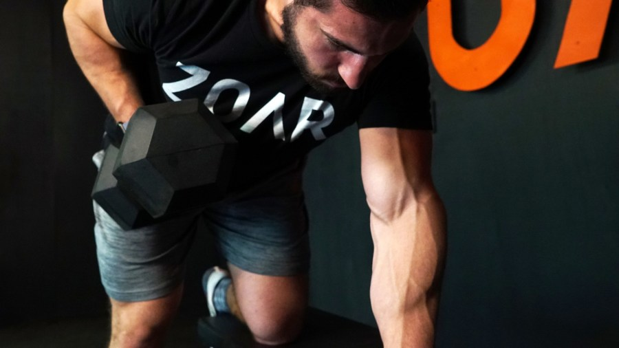 hypertrophy-crossfit-performance-msucle-mass-row-dumbbell