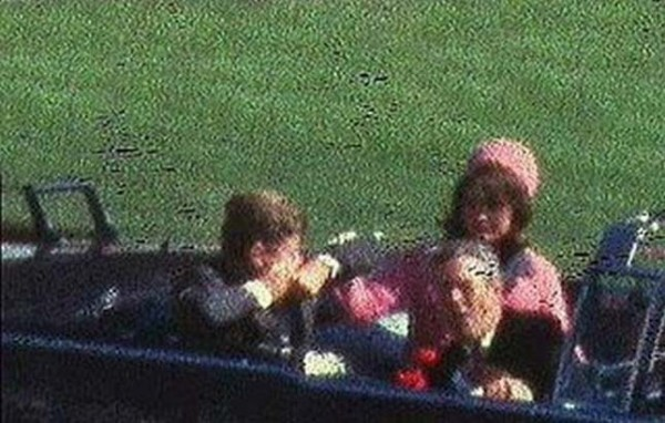 Mordet på John F Kwennedy - stillbild från Zapruders film