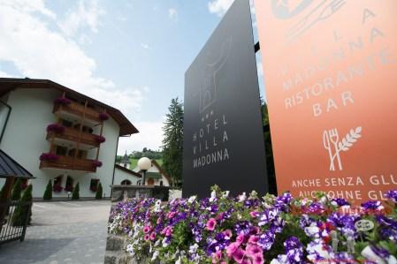 Einfahrt Villa Madonna