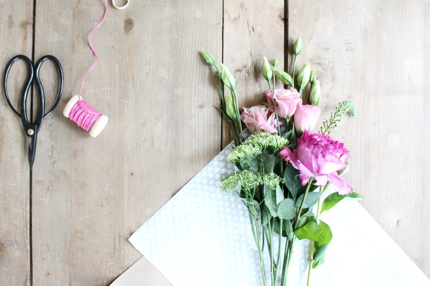how to paper wrap a flower bouquet