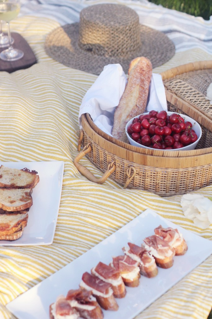 Summer Picnic Ideas with Dietz and Watson