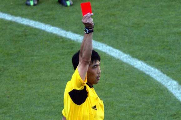 China Football Referee Lu Jun chu thamna vangin jail-ah a tang dawn