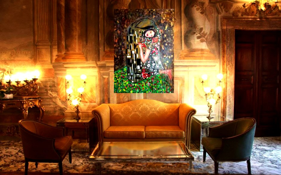 AUGUST 2014 | Klimt Painting in cozy room