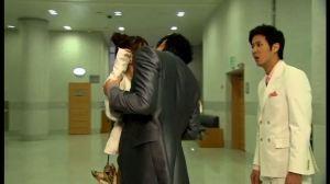 Jeon Jin Ho kisses Park Gae In -1