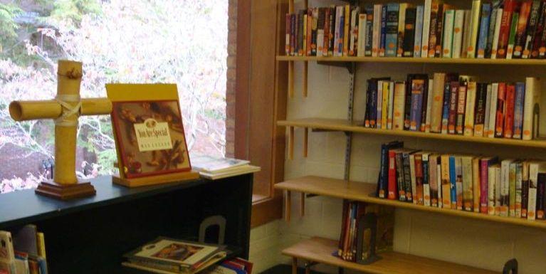 Zomi Laizom Christian Church Library laibu neihte
