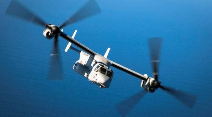 MV-22B Osprey asignado al componente aéreo del USMC desplegado en África se alista para reabastecerse de un KC-130J. Imagen: USMC - Sgt. Paul Peterson.