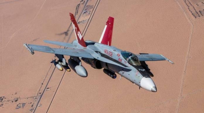 F-18C Hornet perteneciente al MAWST-1 durante un vuelo de instrucción. El Hornet es la columna vertebral de la aviación de combate de la USN y del USMC. Imagen: Cpl. William Waterstreet