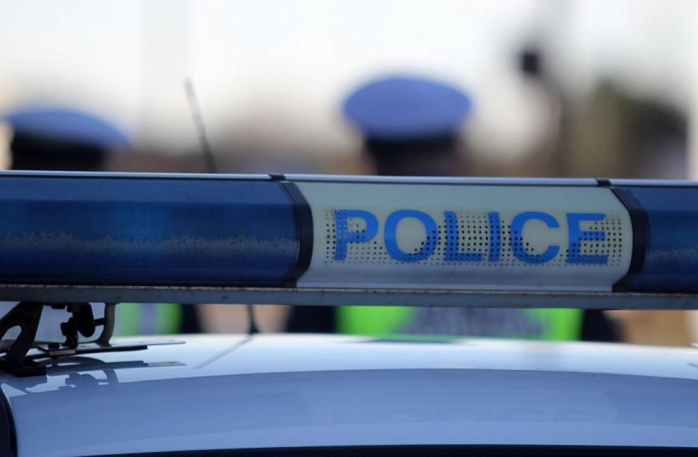 Служители на МВР са задържани за продажба на наркотици