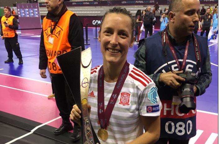 """Berta Velasco: """"Conseguir la Eurocopa ha sido una gran satisfacción y alegría"""""""