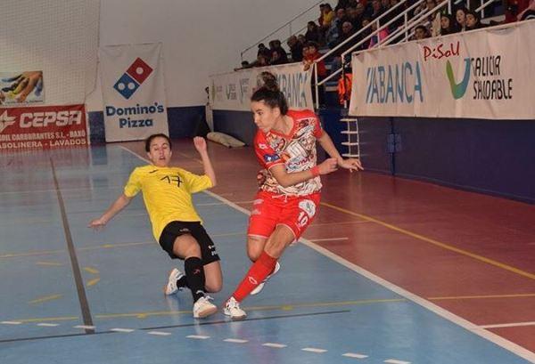 """Iria Saeta (Jugadora de Poio Pescamar FSF):""""El ganar partidos no llega solo por el hecho de tener un buen equipo, cada vez hay más nivel y nadie regala nada."""""""