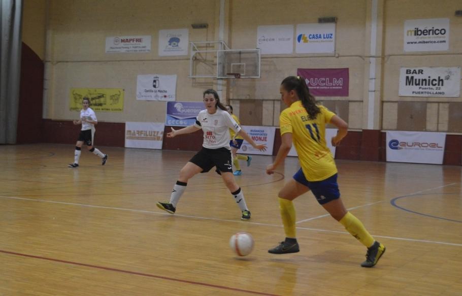 Elena Acevedo renueva como jugadora de C.D. Salesianos Puertollano
