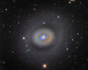 Galaxia de estallido de estrellas M94