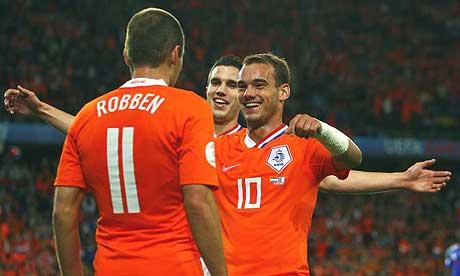 https://i2.wp.com/www.zonalmarking.net/wp-content/uploads/2010/03/sneijder_robben_van_persia.jpg