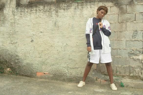 "Brechó Sem Classe apresenta editorial de moda de rua, ""Marcas"""