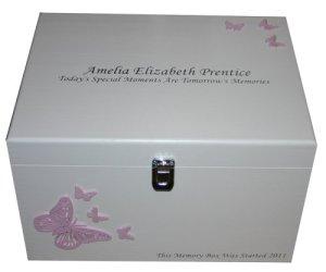 Filles Grand XL Blanc personnalisé Boîte Souvenir ou mémoire en bois personnalisée papillons rose pâle, nouveau bébé, baptême, Naming Cérémonie ou baptême cadeau
