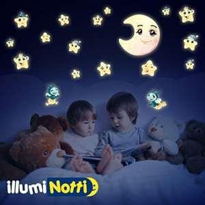LeoStickers®–Stickers phosphorescents pour la décoration des chambre des enfants. Stickers muraux phosphorescents/Que de nuit. coloratissimi de jour, pour une décoration merveilleuse, Délicatement lumineux dans l'obscurité. Idéal également pour décorer les murs de la chambre d'un nouveau-né ou comme idée cadeau pour un enfant en arrivée. Lune, étoiles et étoiles phosphorescents dans le kit illuminotti® Dolce Nanna.