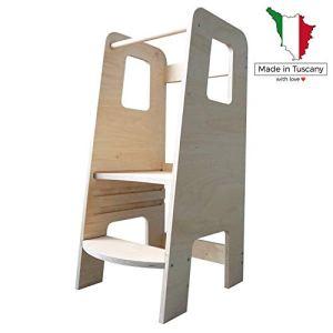 ùlly by moblì®, la learning tower fabriquée en Italie selon les principes Montessori. Dessinée par des experts pour être la première tour d'apprentissage qui aide les parents à éduquer leurs enfants