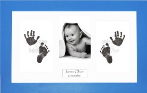 Anika-Baby BabyRice Kit empreintes de pieds et mains pour bébé garçon avec impression noire sans encre/cadre bleu avec support blanc