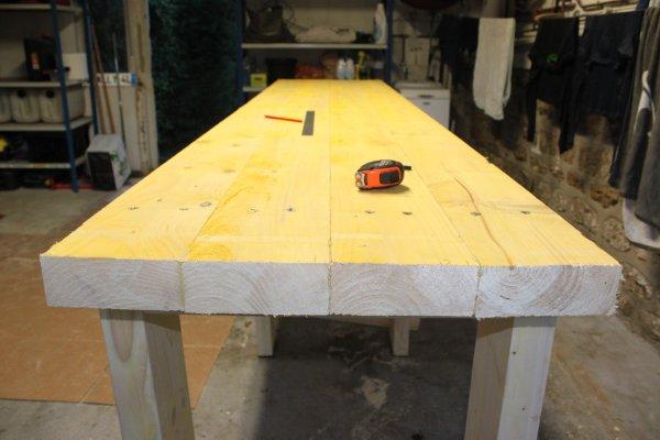bricolage diy fabriquer son tabli en bastaing tape 2 le plan de travail. Black Bedroom Furniture Sets. Home Design Ideas