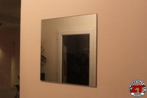 Installer un miroir mural
