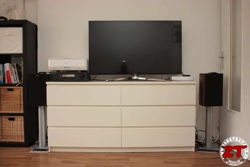 ikea hack un meuble tv avec des meubles de cuisine. Black Bedroom Furniture Sets. Home Design Ideas