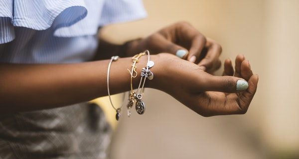Kelebihan dan Kekurangan Investasi Emas Dalam Bentuk Perhiasan