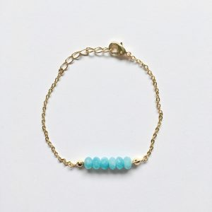 Armband met blauwe natuursteen goud