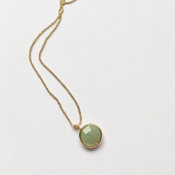 Ketting met hanger natuursteen lente groen goud korte ketting edelsteen