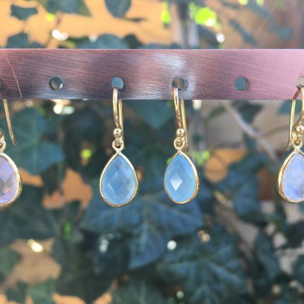 Kleine edelsteen oorbellen Blue Chalcedony 925 zilver verguld goud